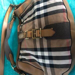 Burberry crossbody / shoulder bag